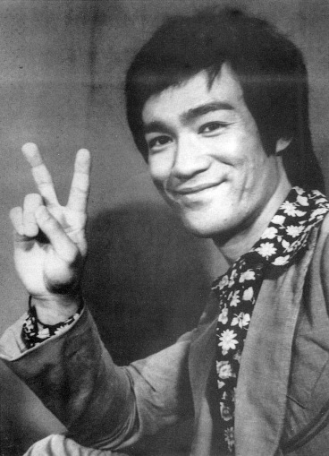 Defensive tripping: Bruce Lee approves.