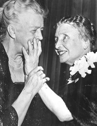Helen Keller feeling up First Lady Eleanor Roosevelt. Miley Cyrus should take some lessons from a master!